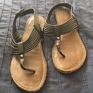 Gently worn Merona Sandals